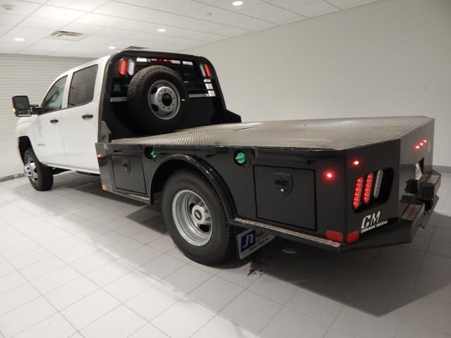 2018 Silverado 3500 Crew Cab 4x4 Platform Body #17507 - photo 3