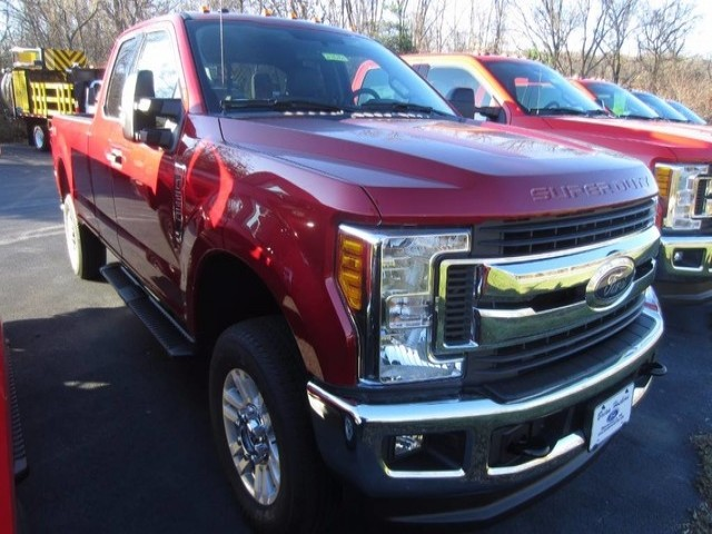 2017 F-250 Super Cab 4x4, Pickup #2171010T - photo 4