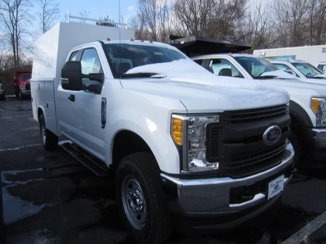 2017 F-350 Super Cab 4x4, Reading Service Utility Van #2171045T - photo 4