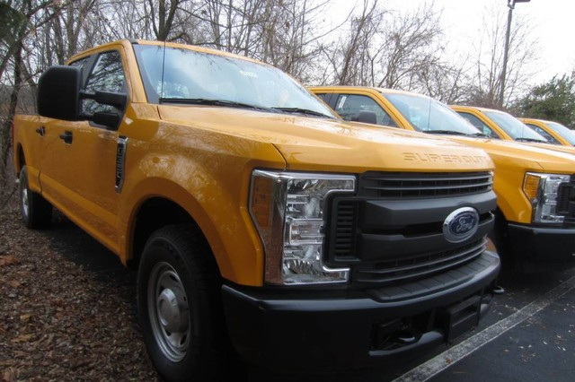 2017 F-350 Crew Cab 4x2,  Pickup #217277T - photo 4