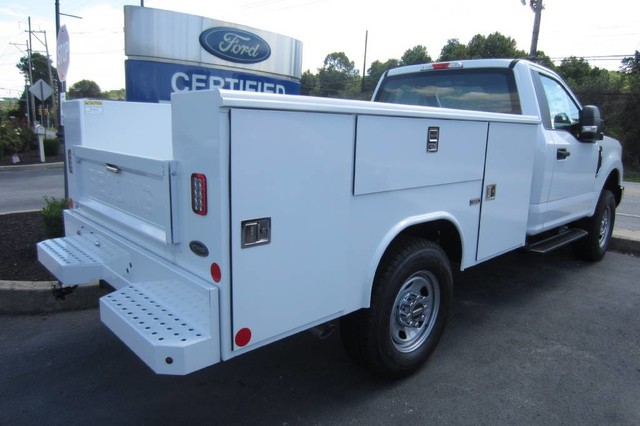 2018 F-350 Regular Cab 4x4,  Reading Classic II Steel Service Body #218722T - photo 2