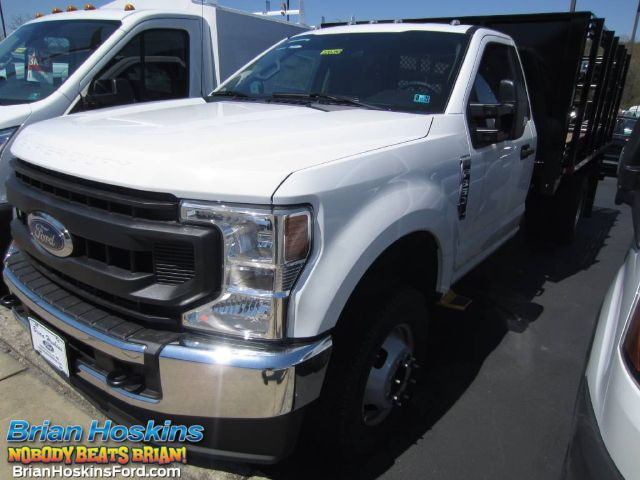 2020 Ford F-350 Regular Cab DRW 4x4, Morgan Stake Bed #220250T - photo 1