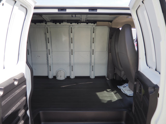 2015 Express 2500,  Empty Cargo Van #P9532 - photo 16