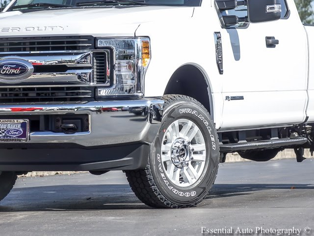 2017 F-250 Super Cab 4x4 Pickup #T17570 - photo 4