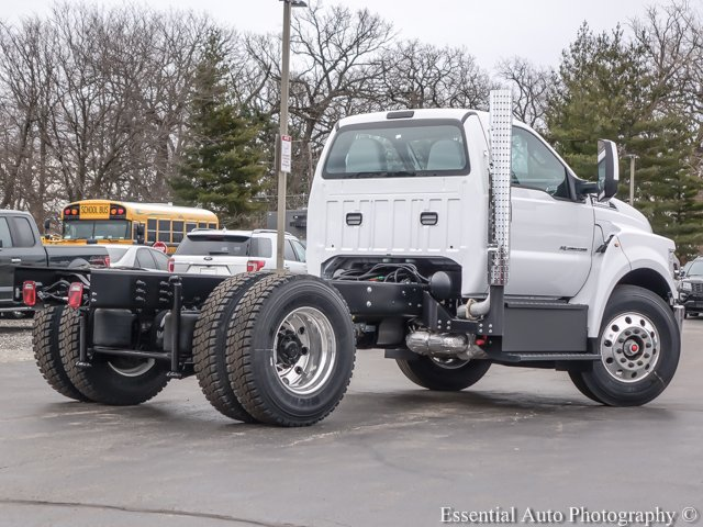 2018 F-750 Regular Cab DRW, Cab Chassis #T18093 - photo 2