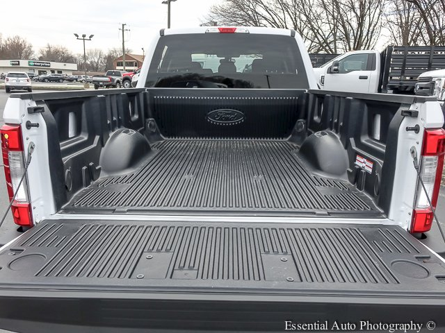 2018 F-250 Crew Cab 4x4,  Pickup #T18243 - photo 16