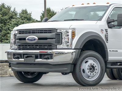 2018 F-550 Regular Cab DRW 4x4, Cab Chassis #T18263 - photo 3