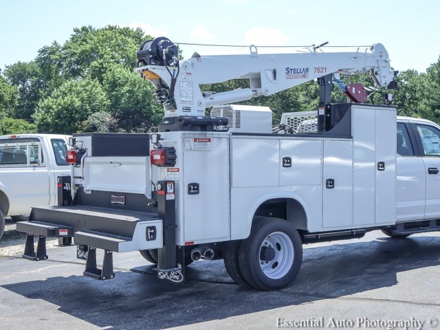 2018 F-550 Super Cab DRW 4x4,  Mechanics Body #T18360 - photo 11