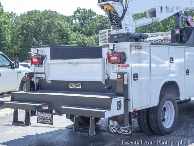 2018 F-550 Super Cab DRW 4x4,  Mechanics Body #T18360 - photo 9