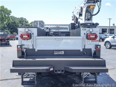 2018 F-550 Super Cab DRW 4x4,  Mechanics Body #T18360 - photo 6