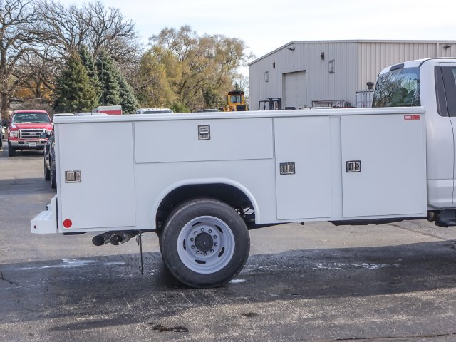 2018 F-450 Regular Cab DRW 4x2,  Reading Classic II Steel Service Body #T18543 - photo 8