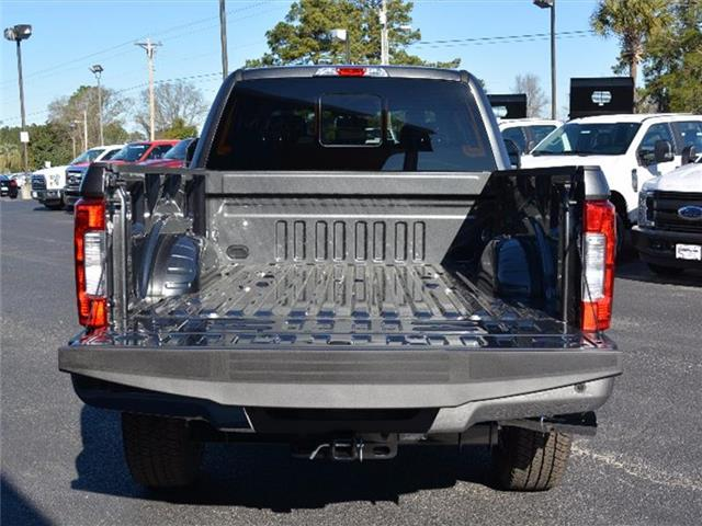 2017 F-250 Crew Cab 4x4, Pickup #27620 - photo 6