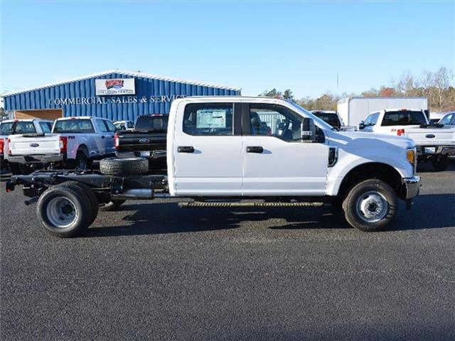 2017 F-350 Crew Cab DRW 4x4, Cab Chassis #27660 - photo 4