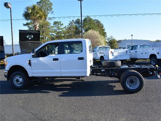 2017 F-350 Crew Cab DRW 4x4, Cab Chassis #27660 - photo 7