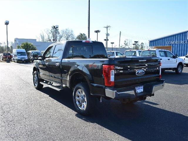 2017 F-250 Crew Cab 4x4 Pickup #27677 - photo 4