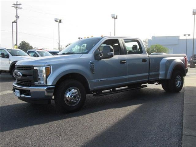 2017 F-350 Crew Cab DRW Pickup #28260 - photo 5