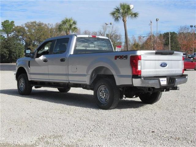 2018 F-250 Crew Cab 4x4, Pickup #28291 - photo 3