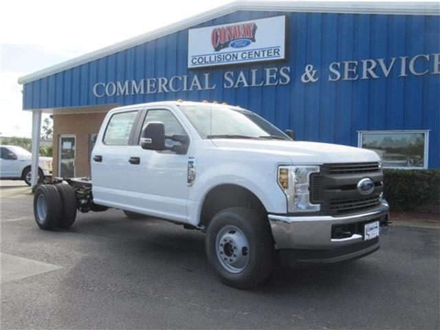 2018 F-350 Crew Cab DRW 4x4, Cab Chassis #28292 - photo 3
