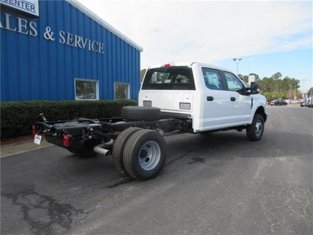 2018 F-350 Crew Cab DRW 4x4, Cab Chassis #28292 - photo 4