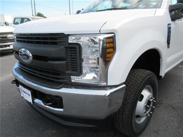 2018 F-350 Crew Cab DRW 4x4, Cab Chassis #28292 - photo 10