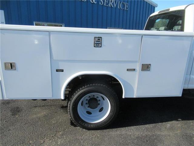 2017 F-450 Super Cab DRW 4x4, Reading Service Body #28337 - photo 13