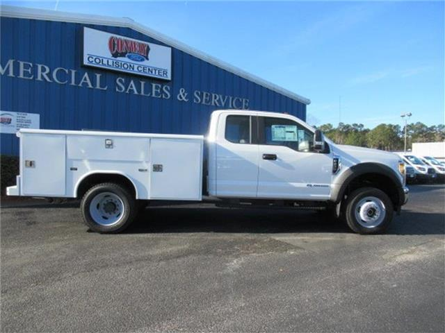 2017 F-450 Super Cab DRW 4x4, Reading Service Body #28337 - photo 3