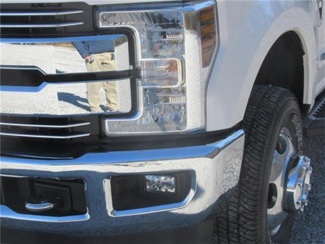 2018 F-350 Crew Cab DRW 4x4, Pickup #28434 - photo 8