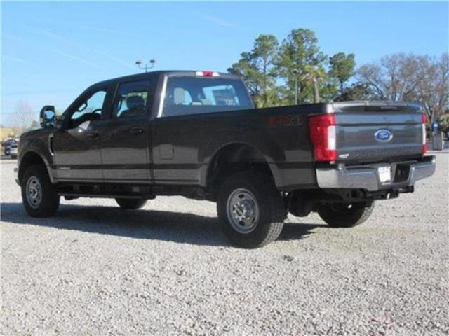 2018 F-350 Crew Cab 4x4, Pickup #28438 - photo 36