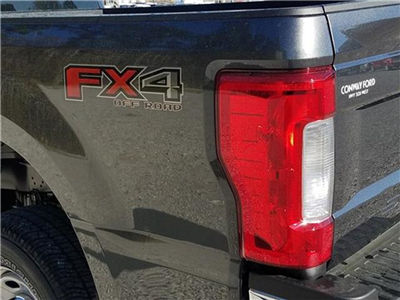 2018 F-250 Crew Cab 4x4, Pickup #28502 - photo 10