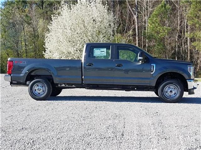2018 F-250 Crew Cab 4x4, Pickup #28502 - photo 4