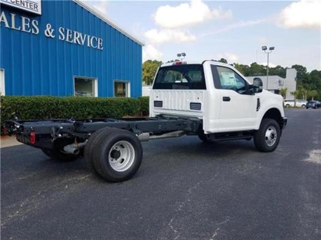 2018 F-350 Regular Cab DRW 4x4,  Cab Chassis #28820 - photo 35