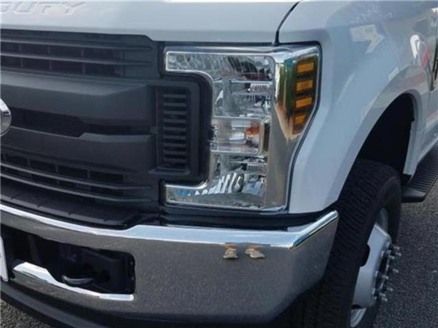 2018 F-350 Regular Cab DRW 4x4,  Cab Chassis #28820 - photo 40