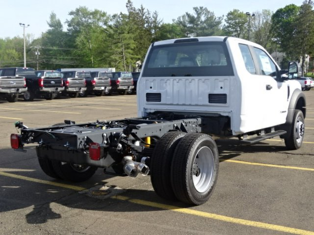 2017 F-550 Super Cab DRW 4x4, Cab Chassis #27T288 - photo 2