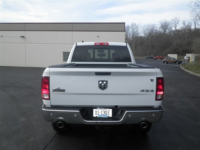 2017 Ram 1500 Crew Cab 4x4, Pickup #K26451 - photo 25