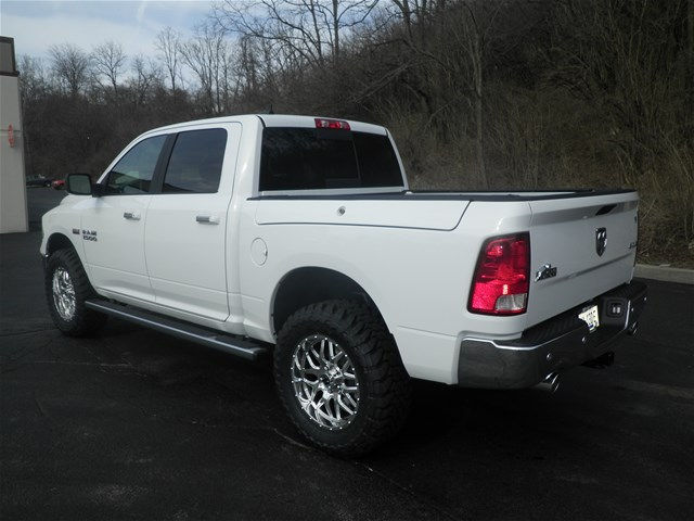 2017 Ram 1500 Crew Cab 4x4, Pickup #K26451 - photo 2