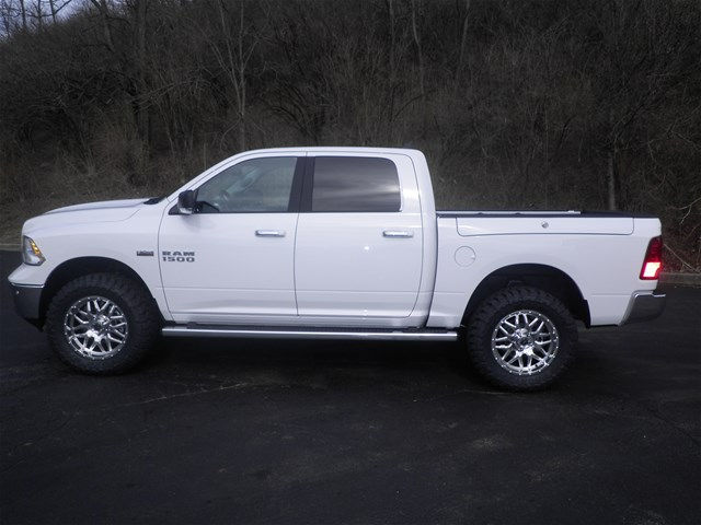 2017 Ram 1500 Crew Cab 4x4, Pickup #K26451 - photo 26