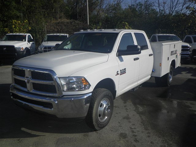 2016 Ram 3500 Crew Cab DRW 4x4, Reading Service Body #K90580 - photo 39