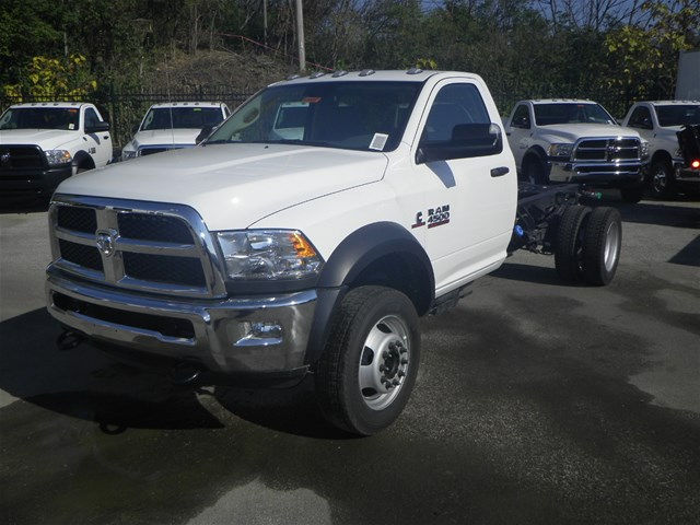 2017 Ram 4500 Regular Cab DRW 4x4, Cab Chassis #K90897 - photo 18