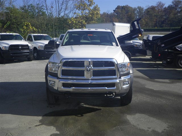 2017 Ram 4500 Regular Cab DRW 4x4, Cab Chassis #K90897 - photo 3