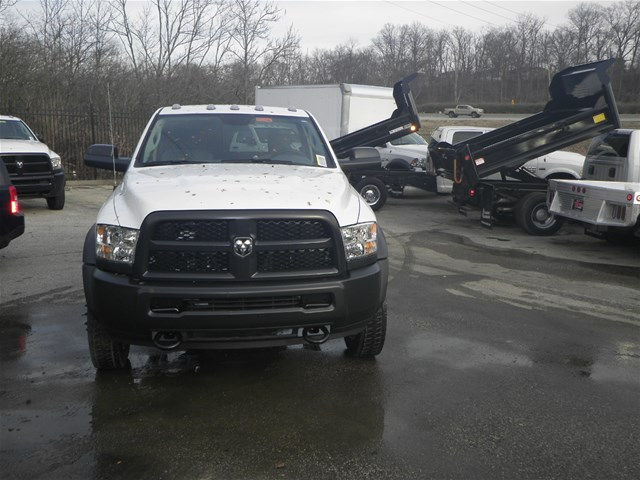 2017 Ram 5500 Regular Cab DRW 4x4, Cab Chassis #K91005 - photo 3
