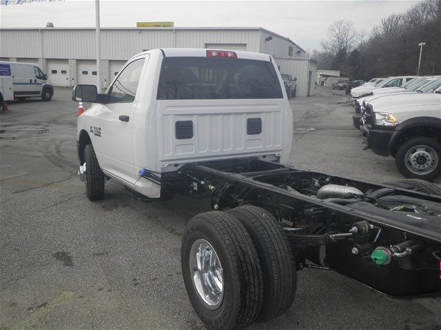 2017 Ram 3500 Regular Cab DRW 4x4, Cab Chassis #K91014 - photo 2