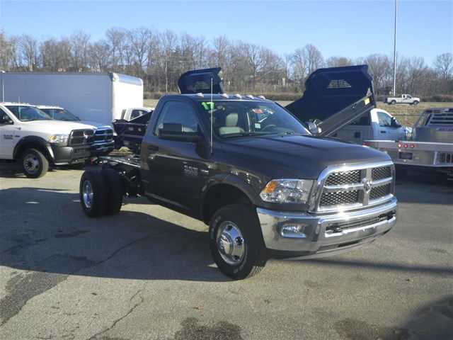 2017 Ram 3500 Regular Cab DRW 4x4, Cab Chassis #K91017 - photo 16
