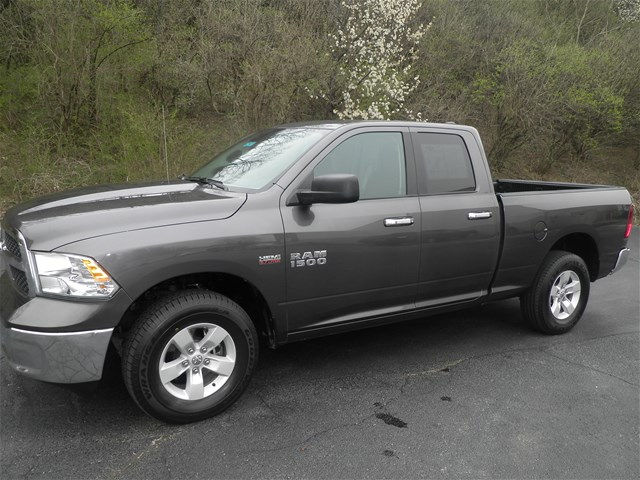 2016 Ram 1500 Quad Cab 4x4, Pickup #KT5972 - photo 7