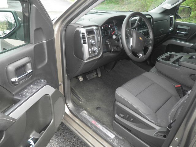 2015 Silverado 1500 Crew Cab 4x4, Pickup #KT6023 - photo 13
