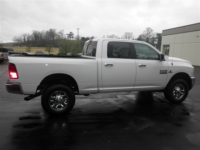 2017 Ram 2500 Crew Cab 4x4, Pickup #KT6032 - photo 4