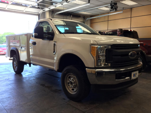 2017 F-250 Regular Cab 4x4 Service Body #171253 - photo 4