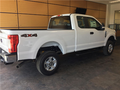 2017 F-250 Super Cab 4x4, Pickup #172638 - photo 2