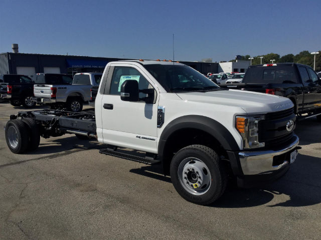 2017 F-550 Regular Cab DRW 4x4 Cab Chassis #172846 - photo 3