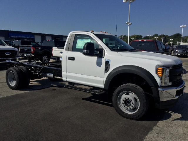 2017 F-550 Regular Cab DRW 4x4 Cab Chassis #172847 - photo 4