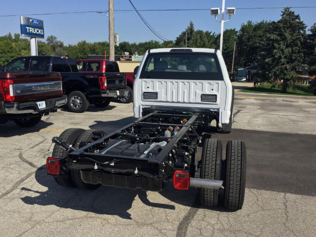 2017 F-550 Regular Cab DRW 4x4 Cab Chassis #172847 - photo 2